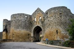 Porte des Tours, Domme, Frankrijk stock foto's