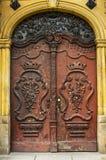 Porte di legno marroni molto vecchie immagini stock