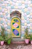 Porte di legno variopinte e pareti della casa Fotografia Stock