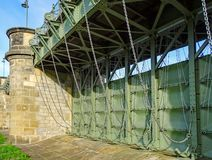 Porte du déversoir de Pretziener près du village Pretzien sur la rivière Elbe au Saxe-Anhalt en Allemagne images stock