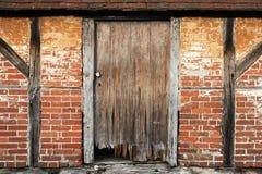 Porte du grenier, château de Cowdray, Midhurst, le Sussex occidental, R-U photographie stock libre de droits