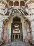 Porte du palais de Bundi Photographie stock libre de droits