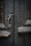 Porte en bois brune de vintage Photo libre de droits