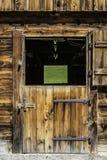 Porte en bois d'écurie images stock
