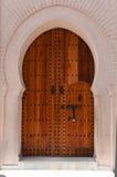 Porte en bois - Maroc photographie stock