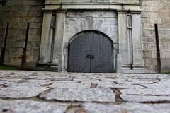 Porte en métal à l'île Boston de château Photos stock