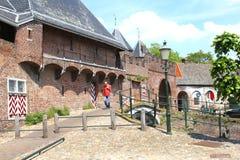 Porte et mur antiques de ville, Amersfoort, Hollande Images stock