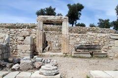 Porte et ruines photographie stock libre de droits