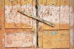 Le verrou de porte cass photographie stock libre de for Fenetre hangar
