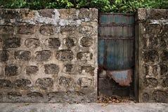 Porte fermée en métal Photos libres de droits