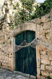 Porte fermée Ston - en Croatie Photos libres de droits