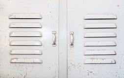 Porte grunge en métal d'industrie, fond rustique de texture photo stock
