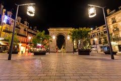 Porte Guillaume fyrkant i Dijon, Frankrike Arkivfoton
