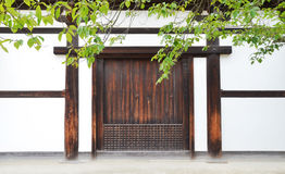Porte Japon de Woody photo stock