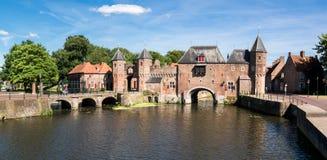 Porte Koppelpoort de ville à Amersfoort, Pays-Bas Images libres de droits