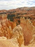Porte-malheur rouges de roche de Bryce Canyon Images libres de droits