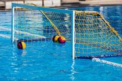 Porte olympique de but de polo d'eau Images stock