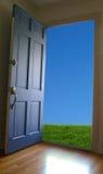 Porte ouverte photographie stock libre de droits