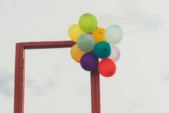 Porte ouverte et ballon Photographie stock libre de droits