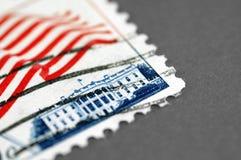 Porte postal branco da casa Fotografia de Stock Royalty Free