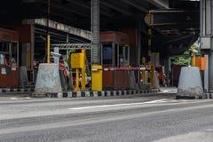 Porte pour le paiement d'honoraires d'autoroute urbaine à Bangkok par EXAT Photographie stock libre de droits