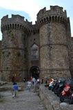Porte principale de château au centre de la ville de Rhodes Photo libre de droits