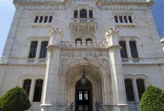 Porte principale de château de Miramare Image libre de droits