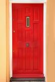 Porte résidentielle rouge Image libre de droits