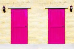 Porte rosa d'annata di una coppia Fotografia Stock Libera da Diritti