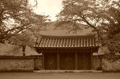 Porte sud-coréenne de temple Photos stock