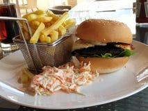 Portebello pieczarka i Halloumi hamburger zdjęcie stock