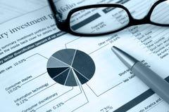 Portefeuille financier, revue d'investissement Photographie stock libre de droits