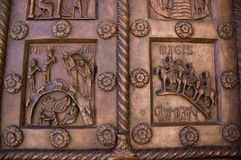 Portelli del Baptisterium a Pisa Italia Immagine Stock