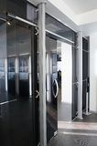 Portelli di vetro nel nuovo ufficio Immagine Stock Libera da Diritti