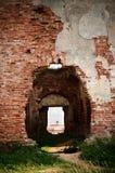 Portelli in pareti di vecchio castello Immagini Stock