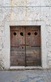 Portello di legno Bovino La Puglia L'Italia Immagine Stock