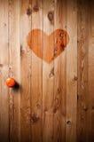 Portello di legno con cuore rosso Immagine Stock Libera da Diritti