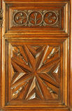 Portello di legno decorato fotografia stock libera da diritti
