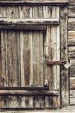Portello di legno Locked immagine stock