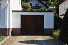 Portello metallico del garage del Brown Fotografia Stock Libera da Diritti
