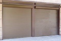 Portello metallico del garage del Brown Fotografie Stock Libere da Diritti