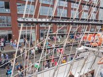 Porten av Amsterdam under seglar 2015 Royaltyfria Foton
