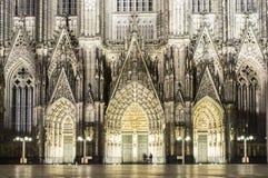 Porten av den Cologne domkyrkan Arkivfoton