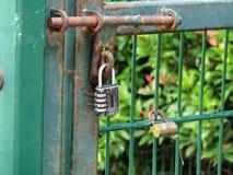 porten låste Royaltyfri Fotografi