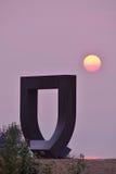 Porten på den Kitsilano stranden och den rökiga solnedgången Arkivfoto