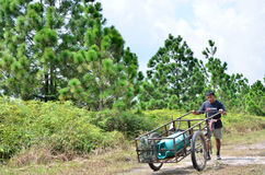 Porter on Phu Kradueng trail Stock Images