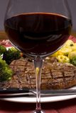 Porterhouse Steak 008. A mouth watering porterhouse steak with fresh vegetables and pasta Stock Photography