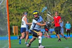 Portero del lacrosse de las muchachas Imagenes de archivo