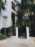 Portes à la résidence de luxe dans le chapeau Cana photographie stock