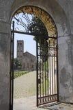 Portes à une cathédrale dans une vieille partie de Monselice Images stock
